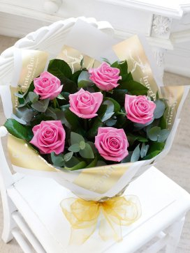 6 Pink Roses w/green image